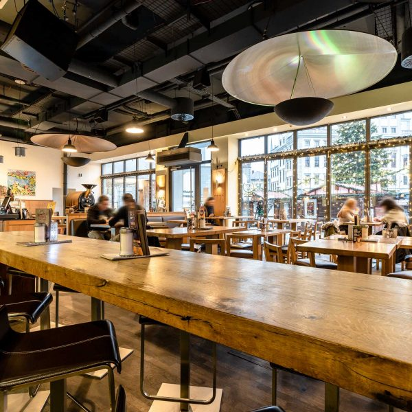 Henry's Coffee World - Restaurant